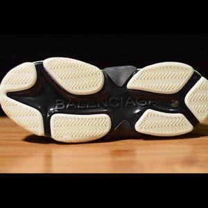Shoes - Balenciaga Triple S